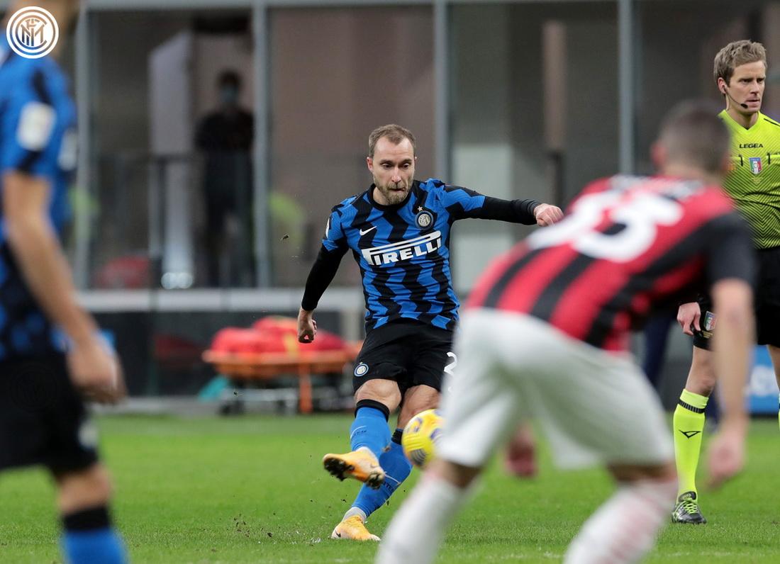 اینتر/ هافبک دانمارکی/ضربه کاشته/Inter/Danish midfielder/Free Kick